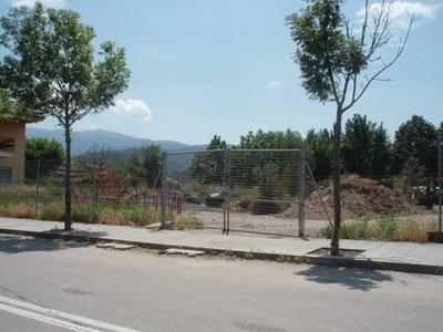 Terreny on s'ubicarà el futur Arxiu Comarcal