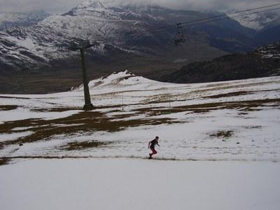 Neu al Cap de Vaquèira (2.500 m.) en la disputa de les Gore-Tex Series