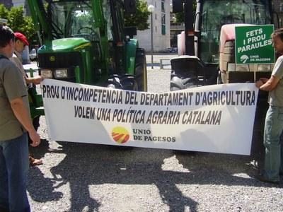Tractors a la plaça Joan Sansa