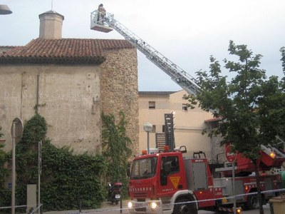 Intervenció dels bombers per a la revisió de la cúpula de Sant Agustí (Tatiana Gallardo)